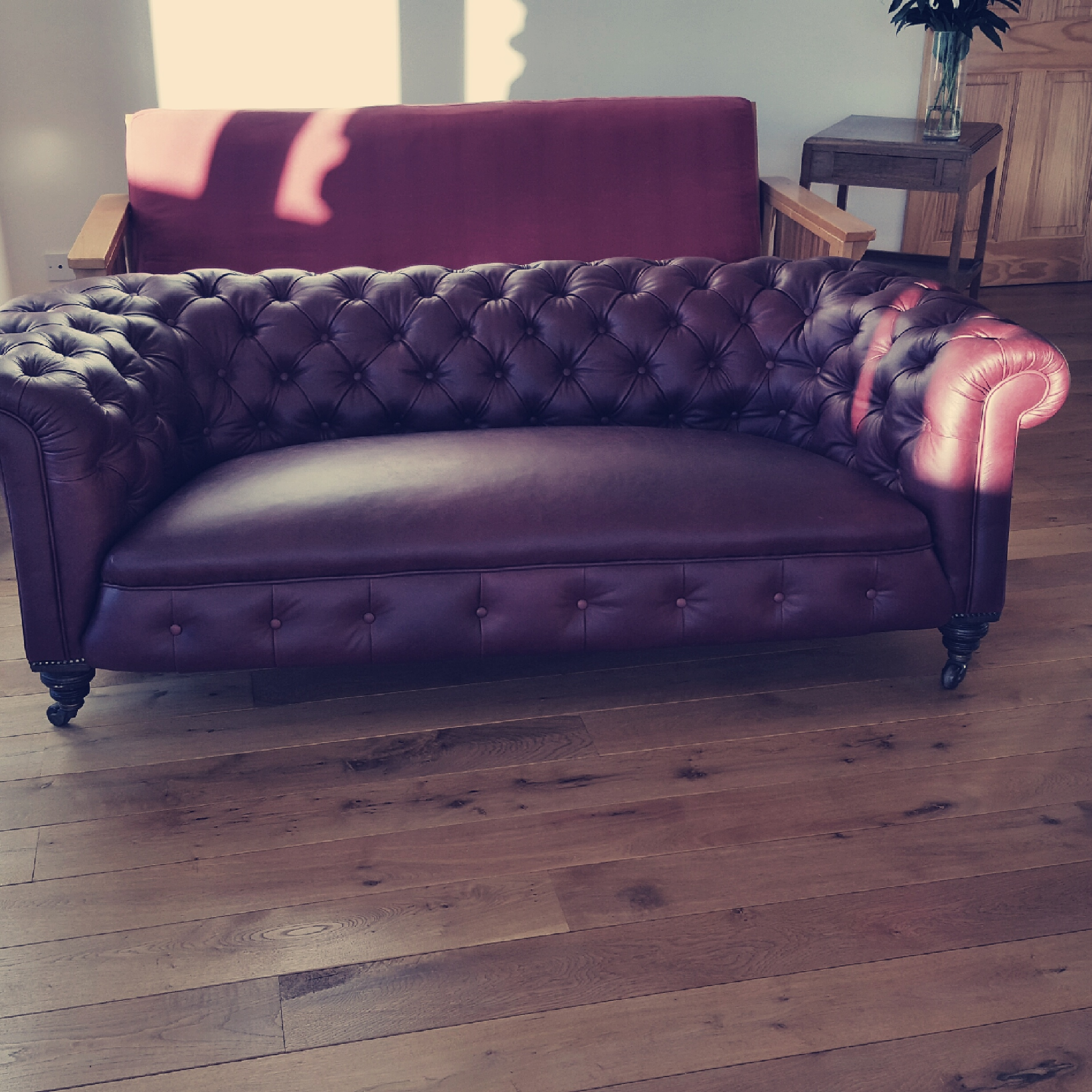 Peachy Chesterfield Sofa Raymond Mackenzie Upholstery Squirreltailoven Fun Painted Chair Ideas Images Squirreltailovenorg